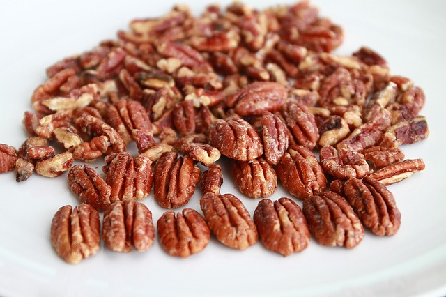 pile of candied pecans